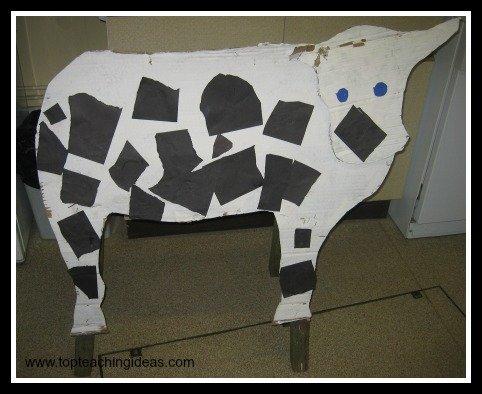 farm-theme-milking-the-cow